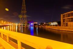 Ikoyi-Brücke Lagos Nigeria nachts mit Ansicht von Ikoyi und von Lagune lizenzfreie stockfotografie