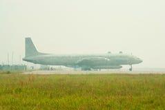 Il-20 na névoa Fotografia de Stock