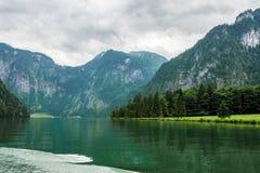 Il Alpsee è un lago in Baviera, Germania ` s situato vicino a Berchtesgaden Konigssee Immagini Stock