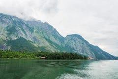 Il Alpsee è un lago in Baviera, Germania ` s situato vicino a Berchtesgaden Konigssee Fotografia Stock Libera da Diritti