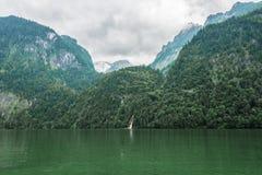 Il Alpsee è un lago in Baviera, Germania ` s situato vicino a Berchtesgaden Konigssee Immagini Stock Libere da Diritti