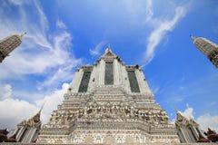 Il arun Temple of Dawn di Wat, in cui è le attrazioni della Tailandia per la maggior parte del viaggiatore verrà al visitato a fotografia stock libera da diritti