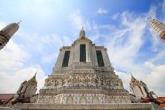 Il arun Temple of Dawn di Wat, in cui è le attrazioni della Tailandia per la maggior parte del viaggiatore verrà al visitato a fotografie stock libere da diritti