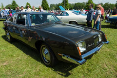 Il Avanti II è un coupé di sport basato allo Studebaker Avanti Immagine Stock