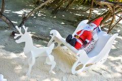 Il Babbo Natale artificiale con i cervi Fotografia Stock