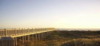 Il bacino che va alla spiaggia Immagini Stock