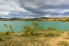 Il bacino idrico di Alloz in Lerate Immagini Stock