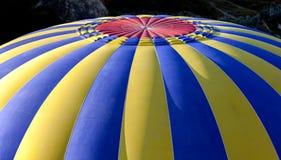 Il baldacchino di una mongolfiera ad alba Immagini Stock Libere da Diritti