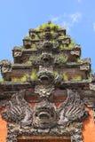 Il Balinese ripetuto scolpisce il verticale Immagini Stock