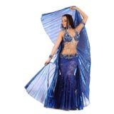 Il ballerino della danza del ventre in costume con le ali Fotografie Stock