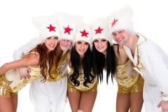 Gruppo sorridente del ballerino costumi d'uso di un cosacco Fotografia Stock