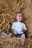Il bambino del fieno di opinione Fotografia Stock Libera da Diritti
