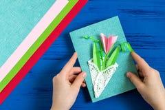 Il bambino fa la carta il giorno al ` s della madre o dell'8 marzo Punto 11 Immagini Stock Libere da Diritti