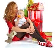 Il bambino infantile del bambino della donna di concetto del nuovo anno di Natale presenta Fotografie Stock