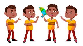 Il bambino nero e afroamericano di asilo del ragazzo posa il vettore stabilito preschool Giovane cheerful Pistola a acqua Per il  illustrazione di stock