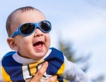 Il bambino piacevole con il blu googla Fotografia Stock Libera da Diritti
