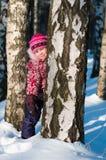 Il bambino si leva in piedi in legno Fotografie Stock
