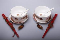 Il banchetto di cerimonia nuziale con la porcellana Fotografia Stock