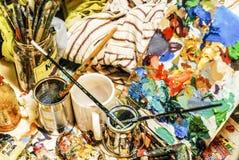 Il banco da lavoro del pittore immagini stock libere da diritti