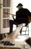 Il bassista Fotografia Stock