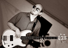 Il bassista Tyson Galloway esegue al festival dell'alimento Cultivate - 27 settembre 2015 nella speranza del porto Immagine Stock Libera da Diritti