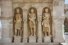 Il bastione Budapest del pescatore delle statue del guardiano Fotografia Stock Libera da Diritti