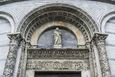 Il battistero di San Giovanni, Pisa (dettaglio) D Fotografia Stock