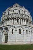 Il battistero a Pisa (Toscana, Italia) Immagine Stock Libera da Diritti