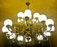 Il bello candeliere progetta la vista dal basso Fotografia Stock