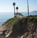 Il bello gazebo trascura la spiaggia di pismo Immagine Stock