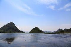 Il bello lakeview nella contea di puzhehei, il Yunnan, porcellana Fotografie Stock