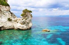 Il bello mare ionico blu, Grecia fotografia stock