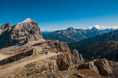 Il bello paesaggio del paesaggio di italien le dolomia, il lagazuoi di rifugio, il dÂ'ampezzo della cortina, falzarego di passo Immagine Stock
