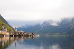 Il bello paesaggio della natura e città di Hallstatt, Austria Fotografie Stock Libere da Diritti
