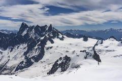 Il bello paesaggio maestoso del massiccio di Mont Blanc alpi Immagine Stock
