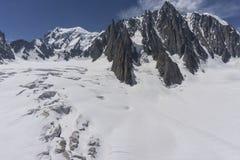 Il bello paesaggio maestoso del massiccio di Mont Blanc alpi Fotografia Stock Libera da Diritti