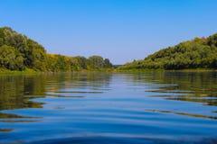 Il bello paesaggio non è il fiume fotografia stock