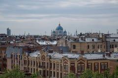 Il bello panorama San Pietroburgo copre la città Fotografia Stock Libera da Diritti