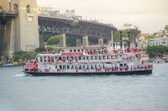 Il bello traghetto di progettazione mostra negli eventi del porto e di Ferrython il giorno dell'Australia a Sydney Harbour Fotografie Stock