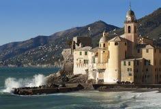 Il bello villaggio di Camogli, vicino a Genova, l'Italia Fotografia Stock Libera da Diritti
