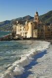 Il bello villaggio di Camogli, vicino a Genova, l'Italia Fotografie Stock Libere da Diritti