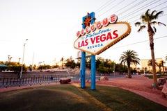 Il benvenuto al segno favoloso di Las Vegas su Las Vega Immagini Stock Libere da Diritti