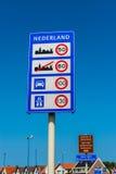 Il benvenuto ed il limite di velocità firma dentro il furgone Holland Netherlands di Hoek Fotografia Stock Libera da Diritti