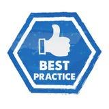 il best practice con il pollice su firma dentro l'esagono blu Fotografia Stock