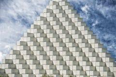 Il bianco cuba la piramide Fotografia Stock