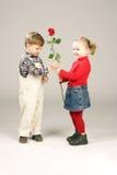 Il biglietto di S. Valentino è aumentato per girlfirend immagine stock libera da diritti