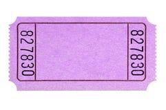 Il biglietto rosa in bianco di tombola o di film sradica il ritaglio bianco isolato immagine stock libera da diritti