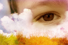 œil bleu d'enfant Photos libres de droits