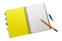 Il blocco note e la penna su bianco hanno isolato il fondo fotografia stock