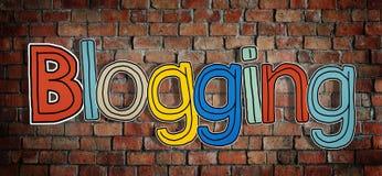 Il blogging di parola su un muro di mattoni Immagini Stock Libere da Diritti